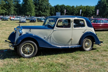 Riley 12/4 1.5 Litre Victor saloon by Briggs 1938 side