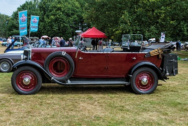Armstrong Siddeley 20 HP Long tourer 1930 side