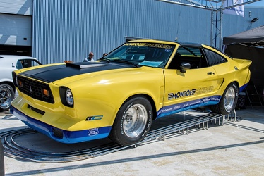 Ford Mustang S2 Cobra II Monroe Handler official replica by Creative Car Craft 1977 fl3q