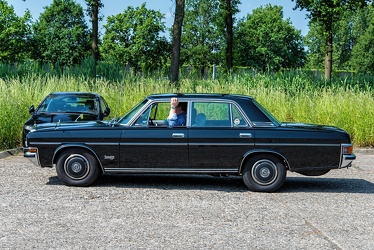 Nissan President H250 S2 Sovereign V8 1985 side