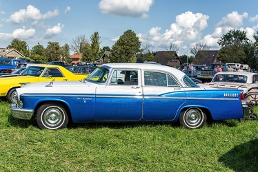 Chrysler New Yorker 4-door sedan 1956 side