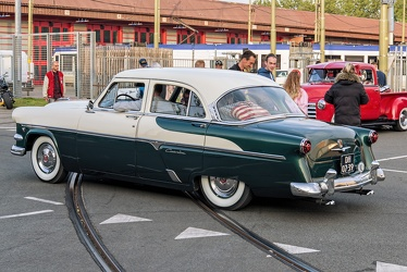 Ford Customline 4-door sedan 1954 r3q