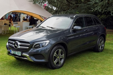 Mercedes GLC 220 d 4Matic 2015 fl3q