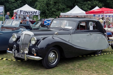 Daimler DB18 Consort Special Empress saloon by Hooper 1952 fl3q