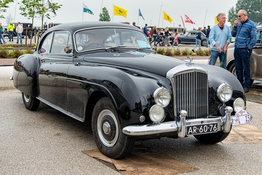 Bentley R Continental fastback coupe by Mulliner 1955 fr3q