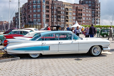 Cadillac 60 Special Fleetwood 1959 white side