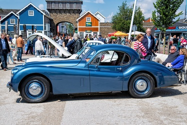 Jaguar XK 120 FHC 1953 side