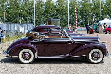 Mercedes 220 cabriolet A 1954 side