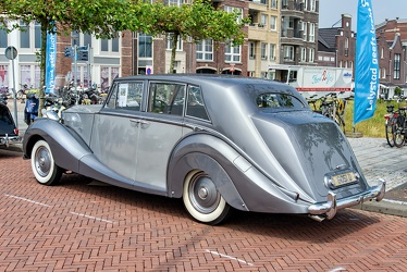 Rolls Royce Silver Wraith limousine by Hooper 1950 r3q