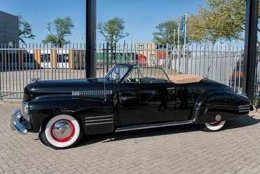 Cadillac 62 convertible coupe 1941 side