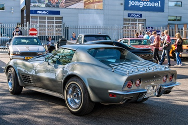 Chevrolet Corvette C3 Stingray coupe 1972 grey r3q