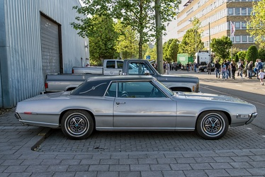 Ford Thunderbird Landau hardtop coupe 1968 side