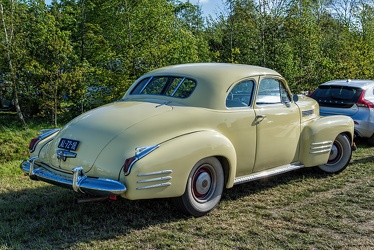 Cadillac 62 coupe 1941 r3q