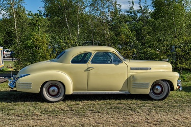 Cadillac 62 coupe 1941 side