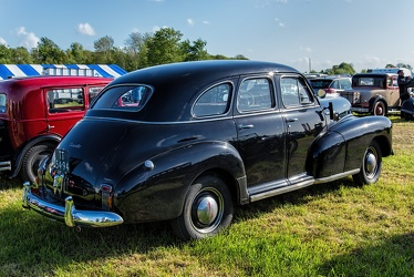 Chevrolet Fleetmaster sport sedan 1947 r3q