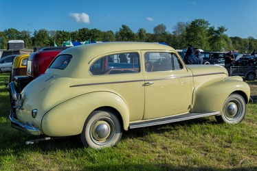 Oldsmobile Series 60 2-door touring sedan 1940 r3q