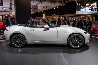 Mazda MX-5 ND Skyactiv-G 2015 side