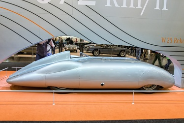 Mercedes W25 V12 record car 1936 side