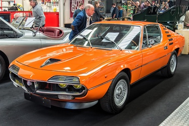 Alfa Romeo Montreal by Bertone 1972 orange fl3q