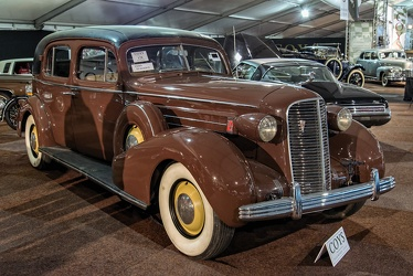 Cadillac 75 V8 formal sedan by Fleetwood 1936 fr3q