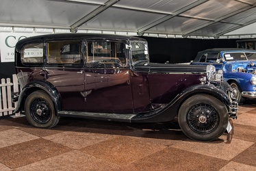 Daimler 20 HP 6-light saloon by Windovers 1935 side