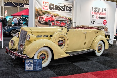 Packard 120-C Eight convertible sedan by Dietrich 1937 fl3q