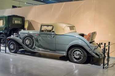 Marmon Sixteen convertible coupe by LeBaron 1932 r3q