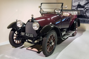 Owen Magnetic M-25 tourer by Baker, Rauch & Lang 1916 fl3q