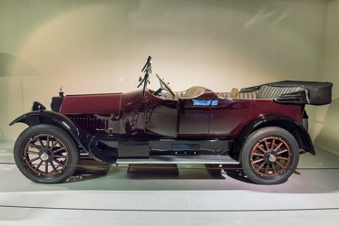 Owen Magnetic M-25 tourer by Baker, Rauch & Lang 1916 side
