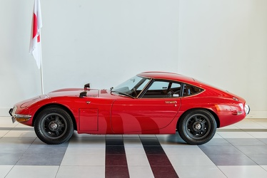 Toyota 2000 GT 1968 side