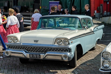 Ford Fairlane 500 4-door sedan 1959 fl3q
