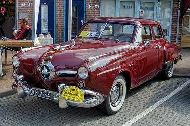 Studebaker Commander DeLuxe 4-door sedan 1950 fl3q
