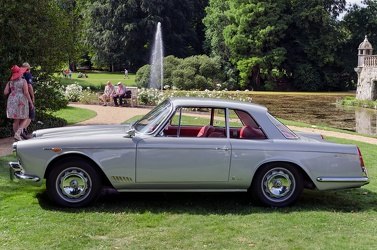Alfa Romeo 2000 coupe by Vignale 1958 side