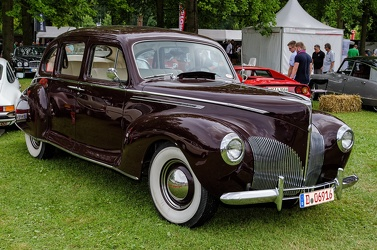 Lincoln Zephyr 4-door sedan 1940 fr3q