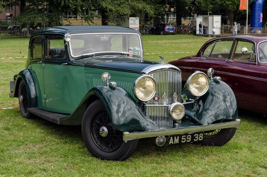 Bentley 4.25 Litre sports saloon by Park Ward 1936 fr3q