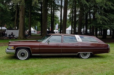 Cadillac 60 Special Fleetwood Brougham Castilian wagon by Traditional Coachworks 1976 side