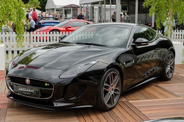 Jaguar F-Type R coupe 2014 f3q