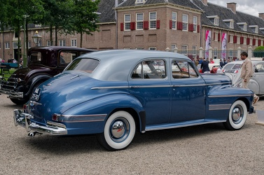 Oldsmobile Custom Cruiser 98 4-door sedan 1941 r3q