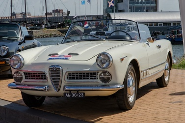 Alfa Romeo 2000 Spider by Touring 1961 fl3q