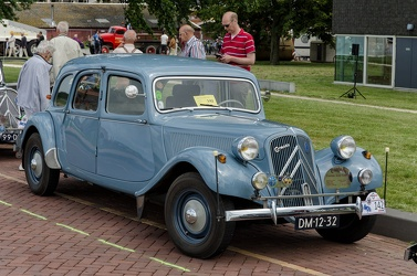 Citroen Traction Avant 11 BF 1954 fr3q