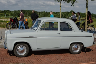 Ford Anglia 100E DeLuxe 1957 side