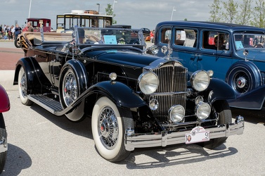 Packard 902 Standard Eight sport phaeton 1932 fr3q