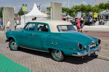 Studebaker Champion Custom 4-door sedan 1951 r3q