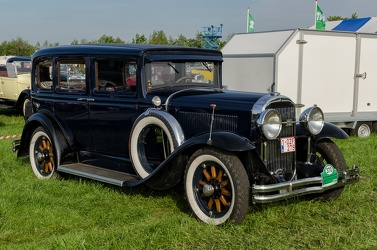 Buick Series 40 4-door sedan 1930 fr3q