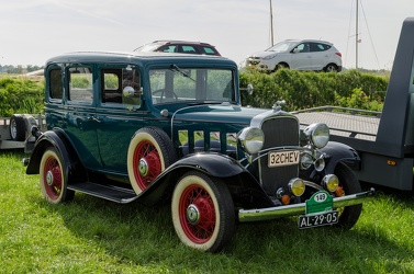 Chevrolet Confederate 4-door sedan 1932 fr3q