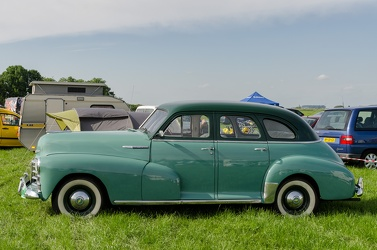 Chevrolet Stylemaster sport sedan 1948 side