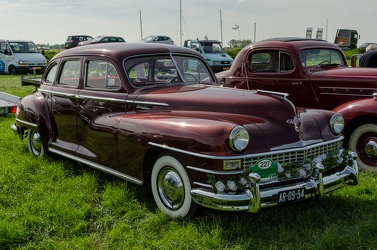 Chrysler Windsor 4-door sedan 1947 fr3q