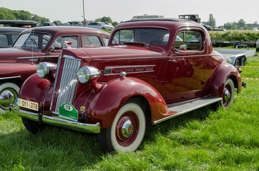 Packard 120-B Eight business coupe 1936 fl3q
