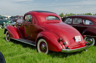 Packard 120-B Eight business coupe 1936 r3q