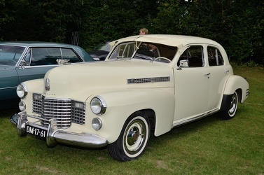 Cadillac 62 4-door sedan 1941 cream fl3q